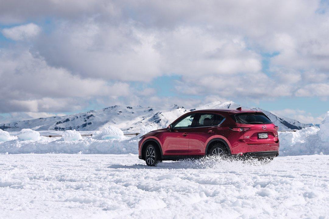 Koeaja Mazda ja voita huippukuulokkeet   Delta Auto